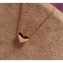 Heart-Shaped Pendant Necklace - Gold