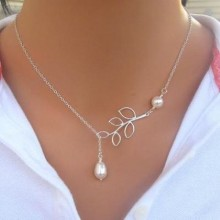 Leaf Pearl Pendant Necklace - Silver